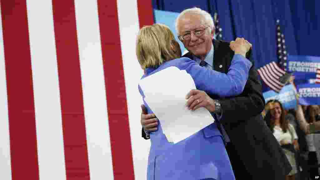 Sanders atangaza kupatana na Clinton wakai wa mkutano huko Portsmouth, Julai 12 2016.