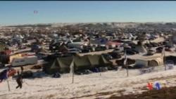 2016-12-05 美國之音視頻新聞: 美國陸軍工程兵宣佈北達科他輸油管另尋線路