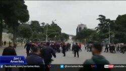 Protesta e opozitës, tension para parlamentit