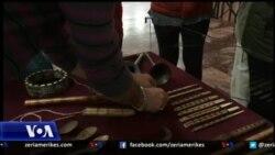 Ekspozitë me instrumenta muzikore popullore