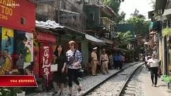 Hà Nội đóng cửa các quán cà phê dọc đường ray vì an toàn giao thông