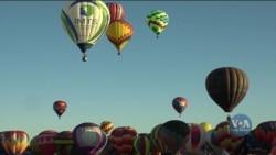 Неймовірне явище: фестиваль повітряних куль у штаті Нью-Мексико. Відео