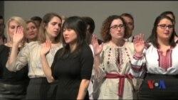 У Києві склала присягу ювілейна, 50-та, група волонтерів Коpпусу миру США. Відео