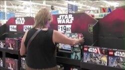 Người hâm mộ mê mẩn Star Wars, đồ chơi ăn theo thu lời lớn