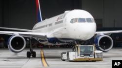 미국 솔트레이크공항의 델타항공 여객기.