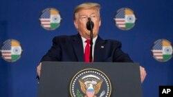 Predsednik SAD Donald Tramp na konferenciji za novinare u Nju Delhiju (Foto: AP/Alex Brandon)