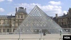 法國羅浮宮因冠狀病毒大流行而被迫關閉16個星期(路透社,2020年3月18日)
