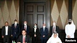 이스라엘과 아랍에미리트(UAE) 고위 관리들이 1일 아부다비에서 양국 관계 정상화를 위한 협정에 서명했다.