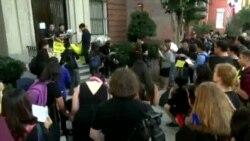 2014-10-02 美國之音視頻新聞: 華盛頓集會聲援香港人爭取普選