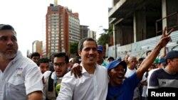 Хуан Гуайдо участвует в демонстрации в Каракасе. 16 ноября 2019 г.