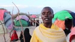 Ce Ramadan, des bénévoles apportent une aide alimentaire aux déplacés en Somalie