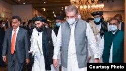 په اسلام آباد کې د شاه محمود قریشي او طالبانو کتنه