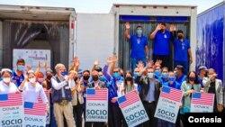 Donativo de Estados Unidos de 1.5 millones de vacunas contra el COVID-19 de Moderna llega a El Salvador. Foto cortesía del gobierno de El Salvador.