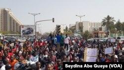 La manifestation à Dakar, Sénégal, le 24 mai 2018. (VOA/Seydina Abe Gueye)