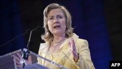 Klinton: Pokiston terrorga qarshi kurashda ishonchni oqlamayapti