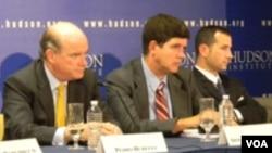 Los panelistas Pedro Burelli, Armando González, Javier Corrales y Aníbal Romero en el Instituto Hudson.