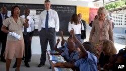 U.S. Secretary of Education Arne Duncan visit to the National School in Tabarre, Haiti. (Nov. 5, 2013.)