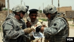 Hubo otros dos meses sin fallecimientos entre los militares estadounidenses (diciembre 2009 y octubre 2010), pero se produjo entonces al menos una muerte accidental o por enfermedad.