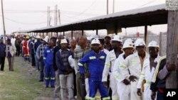 Sebagian pekerja tambang di Afrika Selatan telah menghentikan pemogokan dan mulai bekerja kembali (foto: dok).