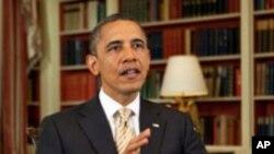 """图为美国总统奥巴马3月31日在白宫发表每周讲话时呼吁美国国会通过以富豪巴菲特命名的""""巴菲特规则"""",向美国最富有阶层增税。"""