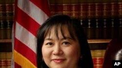 Thẩm phán Jacqueline Nguyễn, phụ nữ gốc Á Châu đầu tiên làm thẩm phán tòa kháng án liên bang.