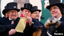 Gobbler's Knob u Punxsutawneyju, Pennsylvania, na 127. Groundhog Day, 2. veljače 2013.