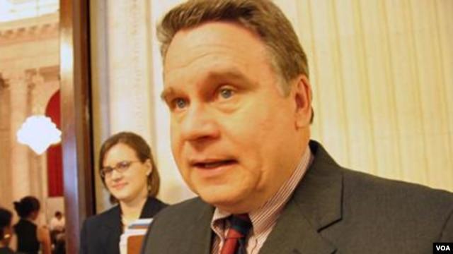 美国众议院人权小组委员会主席和美国国会及行政当局中国委员会的共同主席克里斯•史密斯众议员资料照片(美国之音)