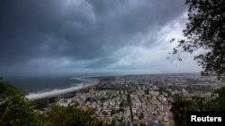 سمندری طوفان سے فضائی منظر بھی بدل گیا
