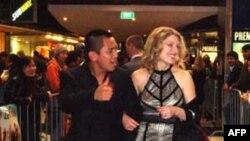 Tác giả kiêm diễn viên Anh Ðỗ và vợ Suzanne