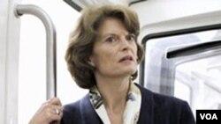 La senadora Lisa Murkowski cuenta con una amplia ventaja de votos a su favor.