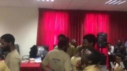Intervalo do julgamento dos activistas no Tribunal Provincial de Luanda em Benfica