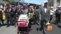 Поздравления ветеранов и флаг «Новороссии» в Нью-Йорке