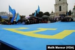 Qrim-tatarlar lideri Mustafo Jemilev nazarida Rossiya maxsus xizmati uning xalqi hamjihatligini buzmoqchi