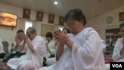 """""""They have come together to mourn the death and have organized this prayer for the soul of king Norodom Sihanouk,"""" said Ouk Vanhan, head monk at the temple."""