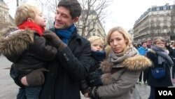 Antoine Karegis and family, Place de la Republique, January 10, 2016. (Lisa Bryant/VOA)