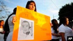 Manifestantes de Miacatlán, México, piden detener la ejecución del mexicano Edagar Tamayo en Texas.