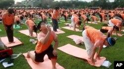 خیلی از حرکت های غلط در یوگا می تواند باعث بروز درد شود.