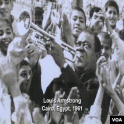 Louis Armstrong tokom posjete Egiptu