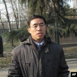 """父親曾經參加過""""抗美援朝""""戰爭的郭先生代表公司前來向金正日致哀"""