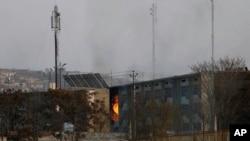 تا کنون هیچ فرد یا گروهی مسئولیت حمله به دو ساختمان دولتی در کابل را برعهده نگرفته است.