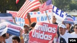Cientos de manifestantes se dieron cita frente al capitolio para exigir una pronta reforma migratoria.