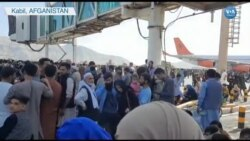 Binlerce İnsanın Kabil Havaalanı'ndaki Bekleyişi Sürüyor