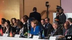 Kancelarka Angela Merkel prisustvuje okruglom stolu na Africko-evropskom samitu, AP Photo/Geert Vanden Wijngaert