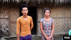 La Moi, 25, and Kaw Nan, 28, whose father was jailed for resisting a land grab near Myitkyina, Kachin State. (P. Vrieze for VOA)