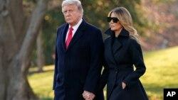 Ông Trump và vợ chuẩn bị đi Florida nghỉ lễ hôm 23/12.