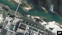 衛星攝於2002年的北韓位於寧邊的核設施(資料圖片)