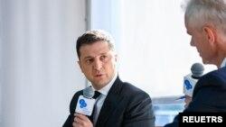 2021년 9월 10일 우크라이나 수도 키예프에서 열린 얄타유럽안보포럼에서 볼로디미르 젤렌스키 우크라이나 대통령이 질문에 답하고 있다.