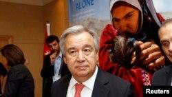 Antonio Guterres ana umri wa miaka 67 na aliwahi kuhudumu kama waziri mkuu wa Ureno kwa miaka kumi na kama mkuu wa UNHCR kwa miaka kumi.