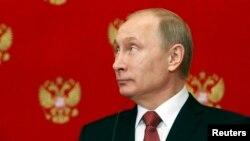 Tổng thống Nga Vladimir Putin dự họp báo sau cuộc họp với Thủ tướng Ý Matteo Renzi, 5/3/15