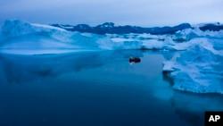 Greenland ni intara nini yuzuye ibarafu
